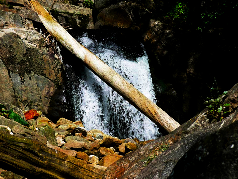 Голям Перелик и Казаните на Мугленска река