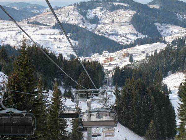 Връх Голям Перелик, Снежанка - Стойките са един от първите ски центрове в Родопите
